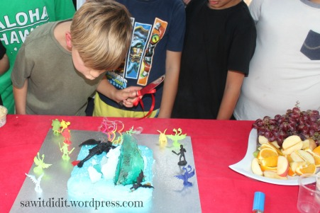 HTTYD cake...sawitdidit.wordpress.com