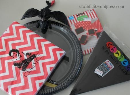 Red and black decorations sawitdidit.wordpress.com (1024x751)