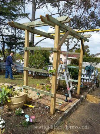 garden arch consruction . sawitdidit.wordpress.com