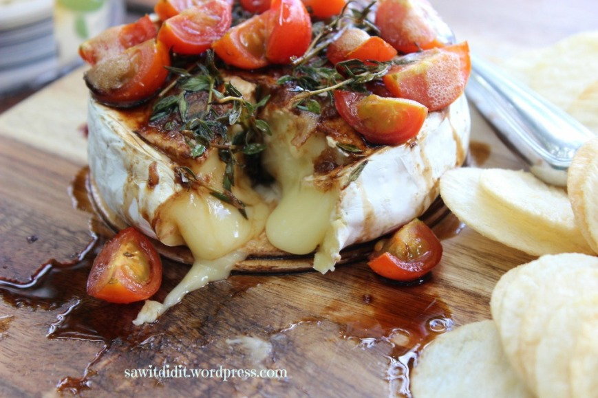 baked camembert with balsamic, cherry tomatos and thyme
