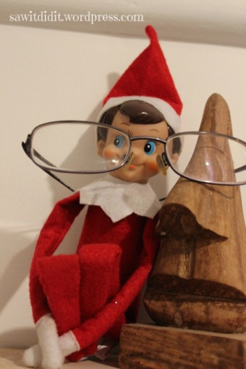 Elf wearing glasses . sawitdidit.wordpress.com