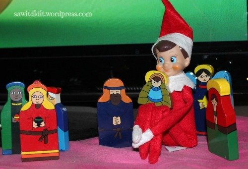 Elf with baby Jesus . sawitdidit.wordpress.com