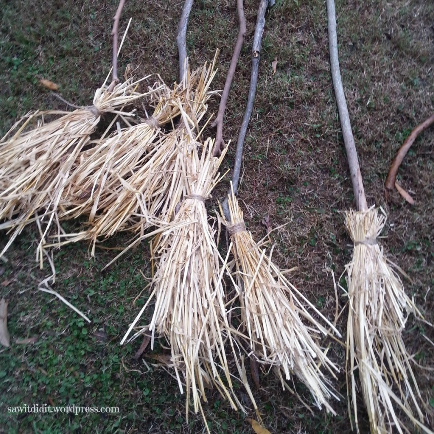 HP DIY broomsticks