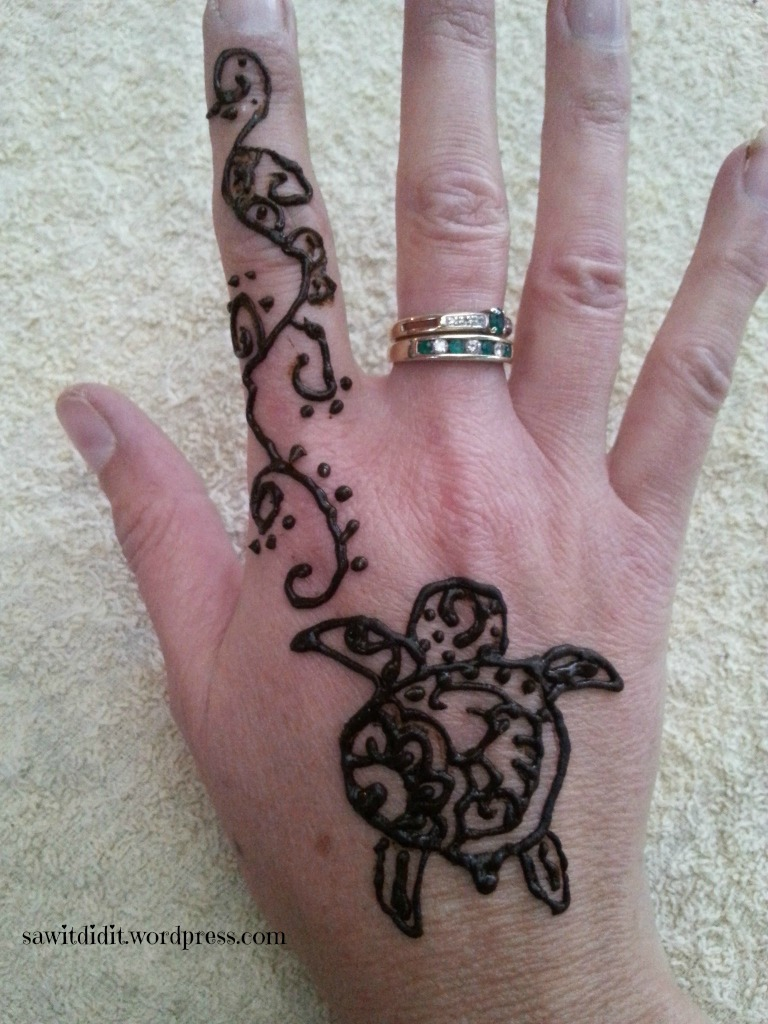 Henna tattoo turtle