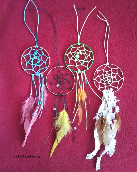 mini dreamcatcher diy